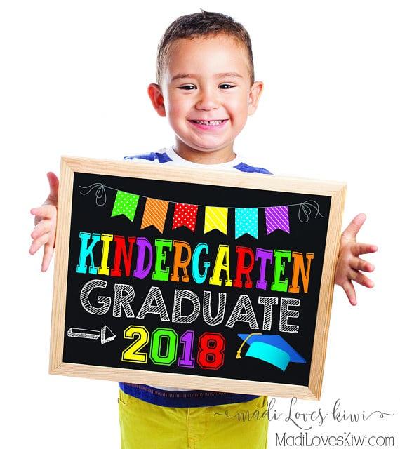 Kindergarten Graduation Sign, Last Day of School Sign Printable, Chalkboard for 2018 Graduate, Digital School Photo Prop, End of School Year